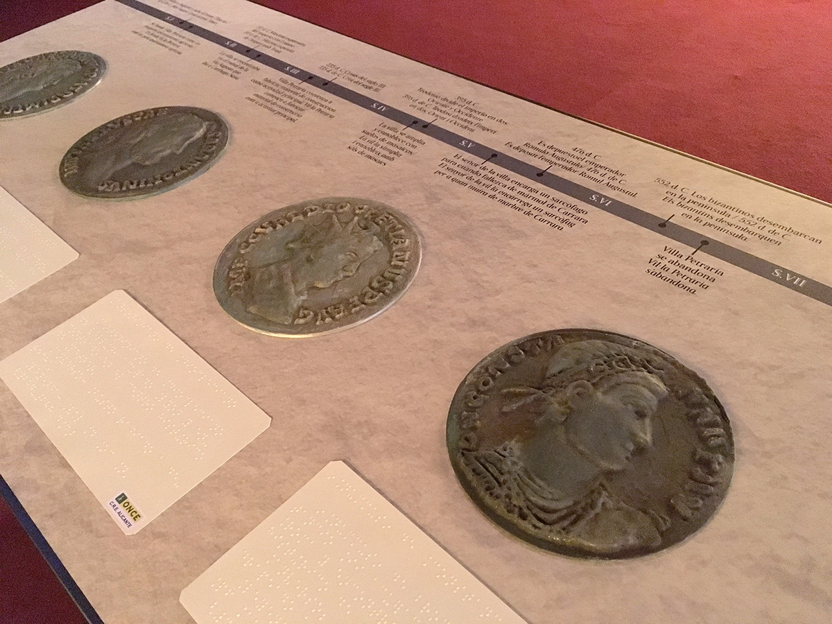 Maquetas táctiles de monedas romanas